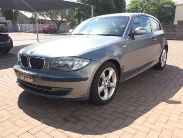 2009 BMW 118i 3 D COUPé